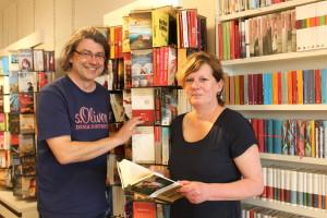Christoph Hirsekorn und Annette Müller haben die Buchhandlung Kaiser vor fast einem Jahr übernommen. Sie blicken optimistisch in die Zukunft.